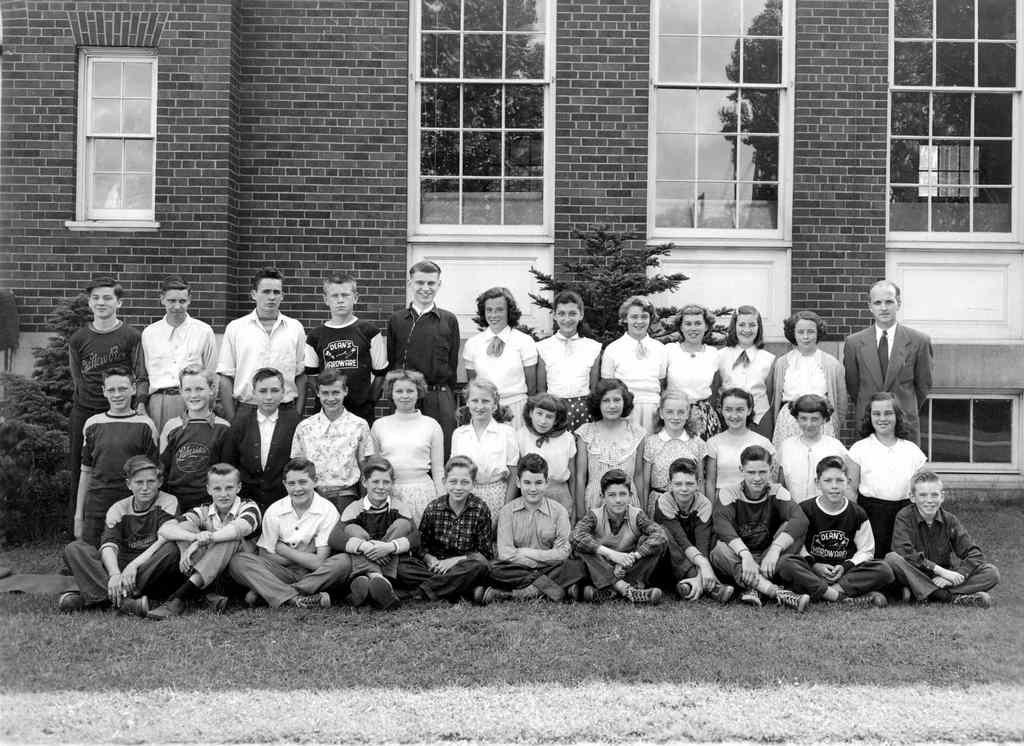 1951 Grade 8.jpg