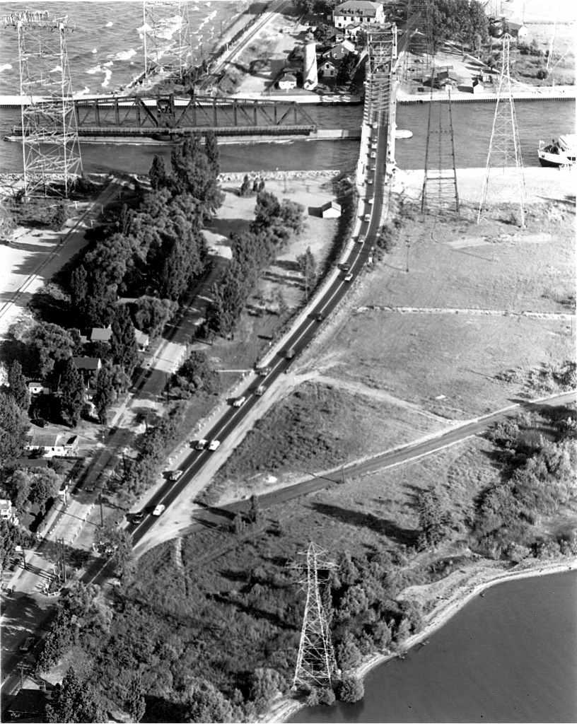 Burlington Canal 1952 Spectator.jpg