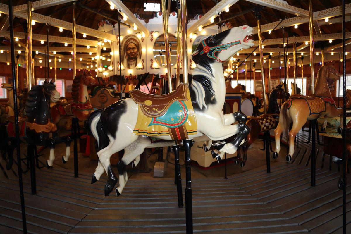 Carrousel3.JPG