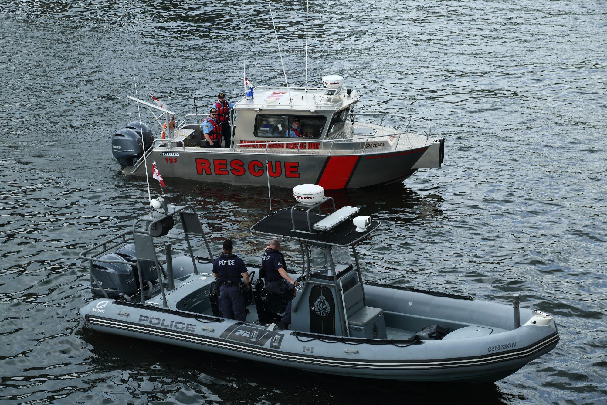 Marine2 & HBRU.JPG
